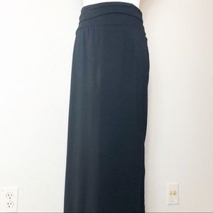 Athleta black maxi skirt w side slits. Size M